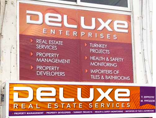 Deluxe-signage